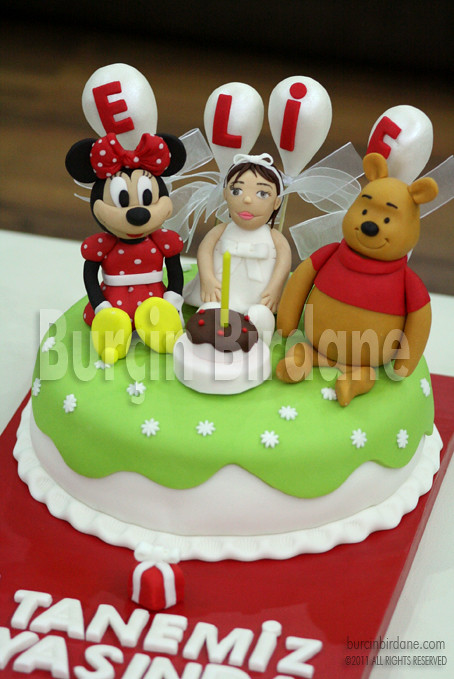 Minnie Mouse ve Winnie the Pooh