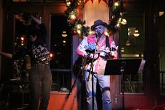 IMG_2686 (scooterquentin) Tags: toronto ukulele dominiononqueen corktownukulelejam photobyquentinthwaites