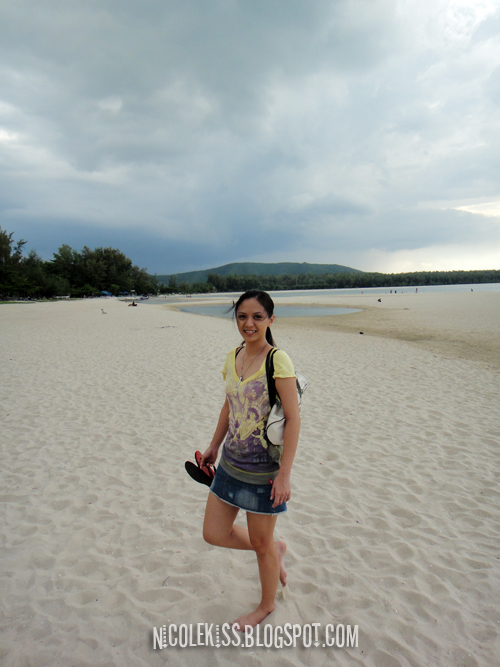 wendy at samila beach 2