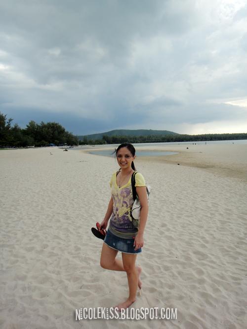 wendy at samila beach 2