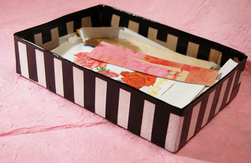 Tutorial on a DIY Inbox for scraps