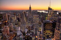 [フリー画像] 建築・建造物, 都市・街, 高層ビル, 夕日・夕焼け・日没, アメリカ合衆国, ニューヨーク, 201012101900