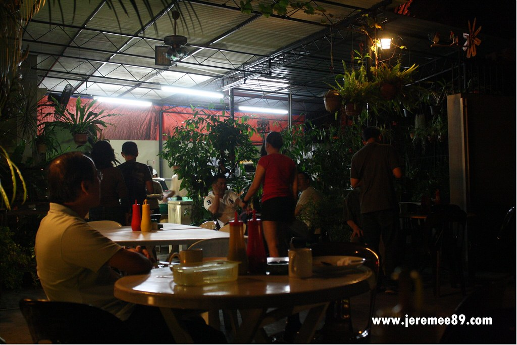 Yaw's Roast & Grill - Environment 3