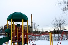 Un parc l'hiver,  Montral... (bob august) Tags: nikon montral hiver neige parc usine dcembre d90