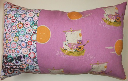 Owl & pussycat pillow reverse