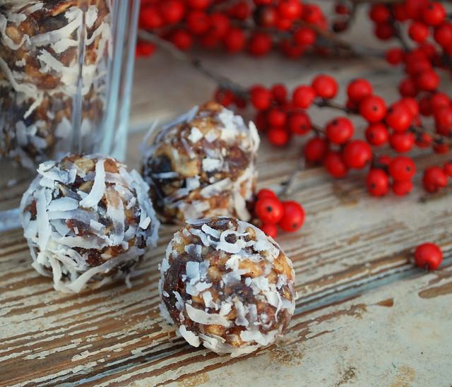 Date Nut Balls 2