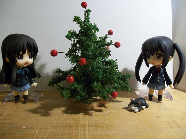 Mio and Azusa christmas tree