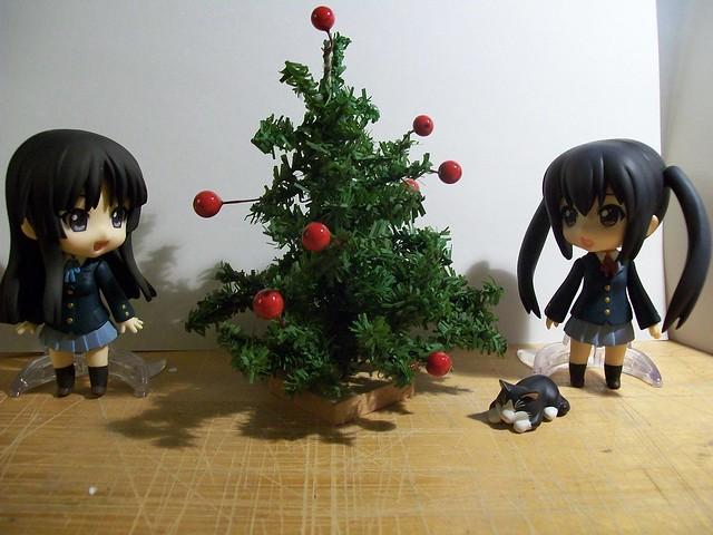 Mio and Azusa christmas tree