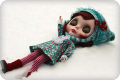 On a bed of snow... 1/2