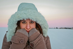 The colors of winter. [Explored Front Page] (Laureos) Tags: winter portrait snow automne canon hiver automn portraiture neige merrychristmas 50d girlinthesnow girlsnow automnwinter laureos