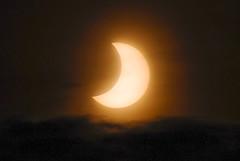L'eclipsi solar del 2011 / 2011's solar eclipse (SBA73) Tags: sun moon sol eclipse catalonia luna astronomy catalunya sole astronomia partial lluna sabadell sohne ndfilter eclipsi parcial abigfave anawesomeshot 100commentgroup mygearandmepremium mygearandmebronze mygearandmesilver mygearandmegold 412011 fourthofjanuary