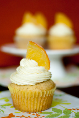 Pink Parsley: Orange-Vanilla Bean Cupcakes
