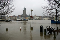 Deventer, 12-1-2011 (Martin Winterman) Tags: deventer ijssel hoogwater deworp