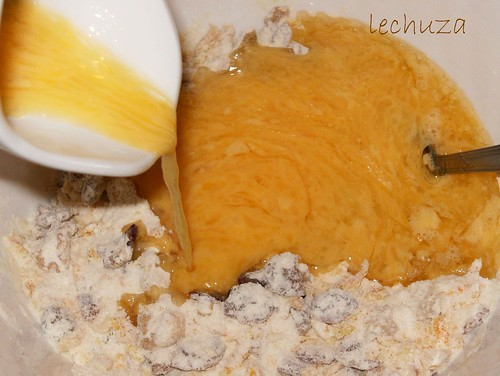 Cake arándanos y naranja-agregar liquidos