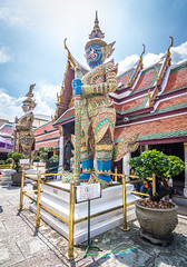 Thai Giants (prasit suaysang) Tags: wat temple watphrakaew watphrasrirattanasatsadaram bangkok thailand outdoor landscape art thaigiant giant thai thainess architecture amazingthailand