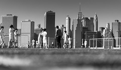 Soccer in NYC (frank.gronau) Tags: city white black schwarzweis play spiel fusball soccer skyline manhatten nyc alpha7 sony gronau frank