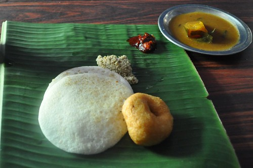 Dosa and Vada in Keralal