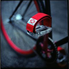 (19/77) Tags: slr film bicycle malaysia fixie fixedgear 1977 negativescan pedal kiev88 mediumfromat kodakektacolorpro160 autaut canoscan8800f arsat80mmf28 myasin pedalstrap