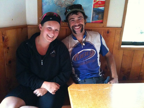 カナダ人サイクリストのロブ&ゾーイ