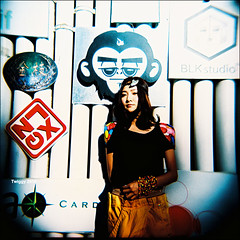 《我的上升是白羊座》album cover shooting - Pixie Tea *4 (Twiggy Tu) Tags: china portrait 120 film square holga lomo beijing singer 2010 專輯封面 twiggyphoto 張萱妍 pixietea albumcovershooting
