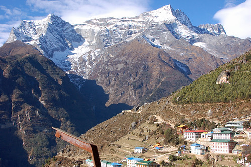 4leaving namche toward khumjung mtn! copy.jpg