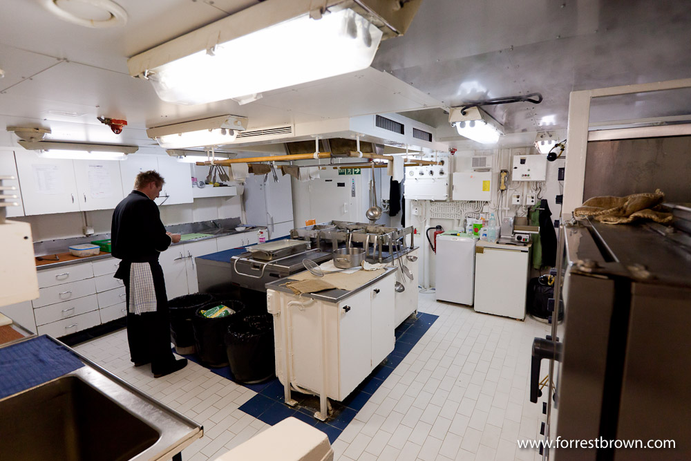 Polar Pioneer, Kitchen