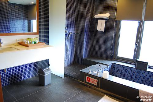 大到不行的溫泉浴室(1)