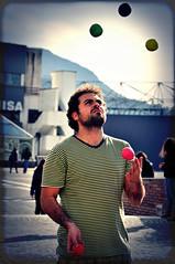 Juggling (Sabrina Campagna) Tags: italy reflex nikon strada italia campania d universit balls juggling juggler nikkor 90 salerno palle artisti studi 18105 giocoleria giocolare palline giocoliere d90 fisciano