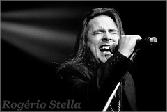 Andre Matos (Rogerio Stella) Tags: show stella bw white black festival rock metal branco portraits banda photography cantor concert nikon photographer tour song retrato live stage gig performance band angra preto andre bands solo rogerio portraiture idol singer instrument vocalist fotografia documentation heavy venue instruments msica nacional vivo 2010 vocalista palco vocal microfone fotojornalismo dolo carreira shaaman fria lanamento apresentao matos blackwhitephotos documentao documentarist mentalize