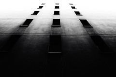 The solitude of buildings
