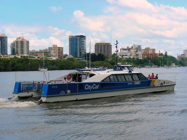 9 Dec 2010: CityCat on the Brisbane River