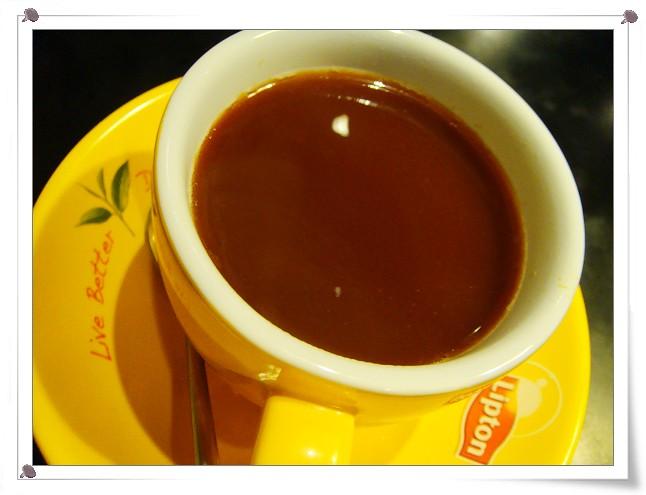 熱茶走(熱紅茶+煉乳)