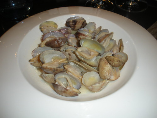 Clams with pale dry sherry sauce