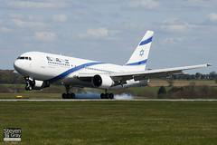 4X-EAC - 22974 - El Al Israel Airlines - Boeng 767-258ER - Luton - 100421 - Steven Gray - IMG_0179