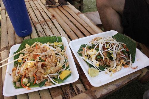 Pad thai at Wat Phra Sing, day 59