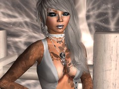 Abra_Tarnished_004 (Abra Zelin) Tags: willow secondlife tuttifrutti freebie virtualinsanity bescene slfashion glowstudio loulouco kalnins clawtooth ysys paradesigns exodi ibanezeyes white~widow