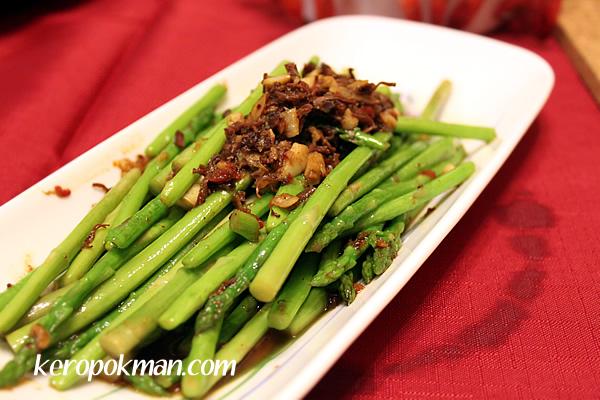 Asparagus with XO Sauce