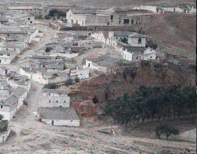 Zona arcillosa denominada alcaén en Toledo entre el 15 y el 17 de junio de 1914. Autocromo de Auguste Léon (detalle). © Musée Albert-Kahn - Département des Hauts-de-Seine