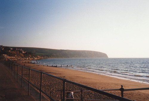 Deserted Swanage Bay at 6 am - Copyright R.Weal 1998