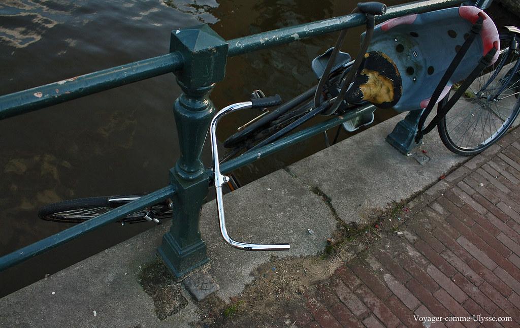 Les amstellodamois sont très inventifs en matière de stationnement