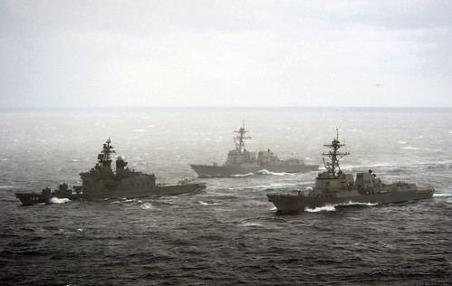 [フリー画像] 乗り物, 船・船舶, 軍用船, アメリカ海軍, 海上自衛隊, 201101252300