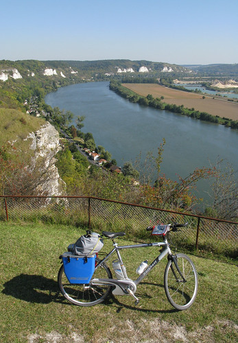 Panasonic pedelecs – in this case a Kalkhoff – are efficient touring machines. This one is taking on the cliffs of the River Seine. Photo: Richard Peace/Electric Bicycles