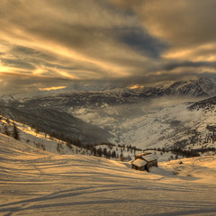 the last ray  -  Explore (rinogas) Tags: sunset italy snow mountains alps clouds torino nikon piemonte neve alpi hdr valchisone valledisusa nikkor1224dx vertorama rinogas sesriere montesises