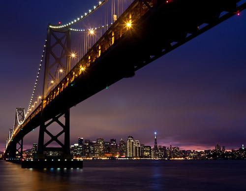 [フリー画像] 建築・建造物, 橋, 都市・街, 夜景, アメリカ合衆国, 201101221900