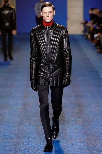 FW11_Milan_Versace015_Demy Matzen(VOGUEcom)