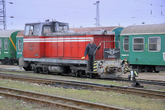 BDZ Soviet-built narrow gauge shunter 81 008 with the consist of the morning Septemvri to Bansko train, Septemvri, Bulgaria, February 19, 2007 (Ivan S. Abrams) Tags: ivansabrams abramsandmcdanielinternationallawandeconomicdiplomacy ivansabramsarizonaattorney ivansabramsbauniversityofpittsburghjduniversityofpittsburghllmuniversityofarizonainternationallawyer