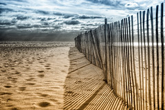 storm fence on the beach (Steve Stanger) Tags: winter beach clouds sand december oceancounty pointpleasant d40 dailyshoot nikond40 nikon35mmf18 ds385