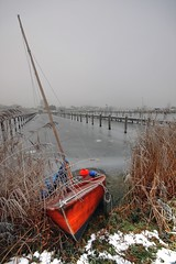 frozen (*Chris van Dolleweerd*) Tags: haven zeilen canon boot harbor frozen sailing bevroren sigma hdr zeilboot sigma1020mm sailboot canon450d chrisvandolleweerd