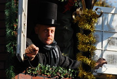Scrooge (Preneur d'image) Tags: scrooge parade charleston fireman marchingband charlestonsc christmasparade southcaolina parade2010 asurbeck