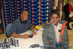 Jahvid Best Pepsi Max Event (jahvidbest44) Tags: new max nfl can best pepsi rookie meijer jahvid